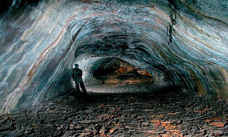 Лавовая пещера Лейдаренди