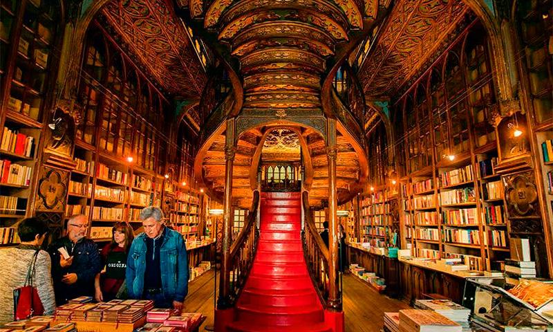 книжный магазин Ливрария Лелло