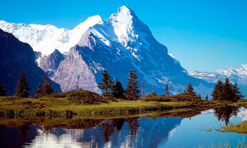 французские Альпы и гора Монблан