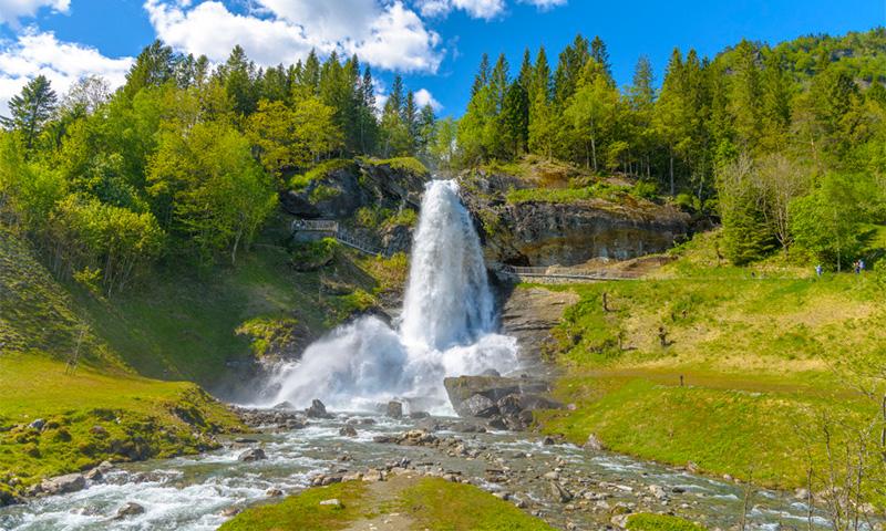 водопад Стайнсдальсфосс