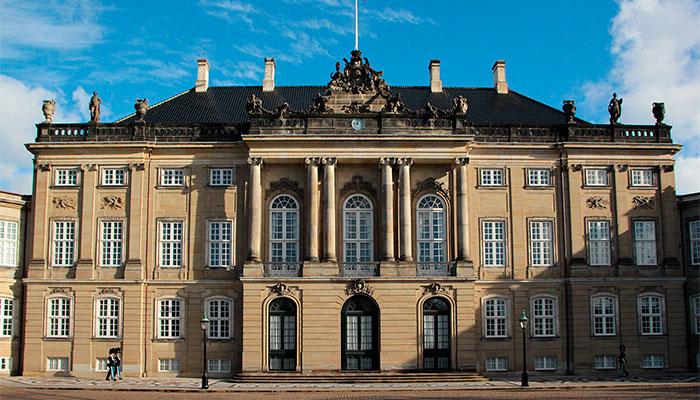 Амалиенборгский дворец