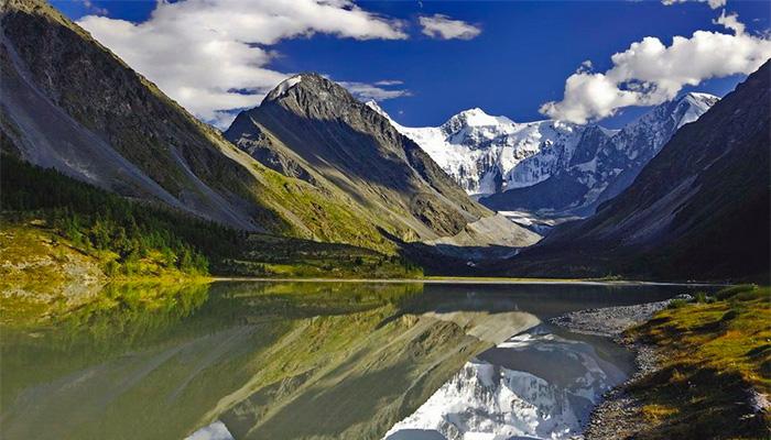 священная гора Белуха