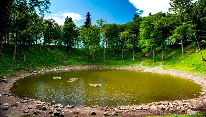 кратер Каали