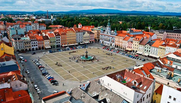 городская площадь в Ческе- Будеёвице