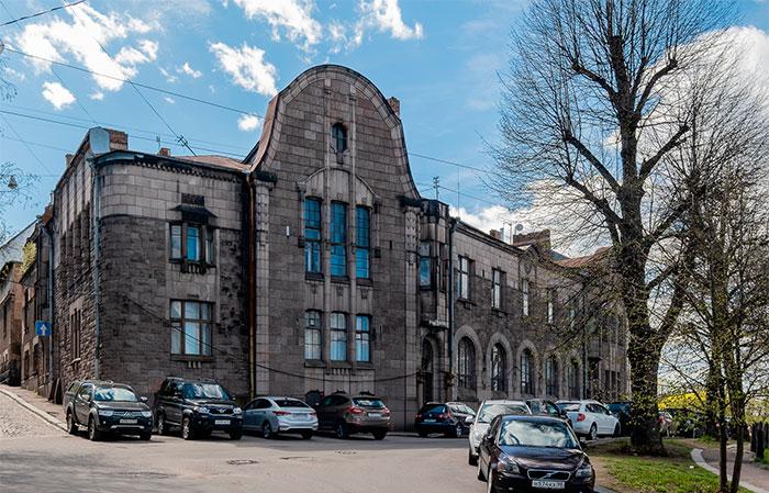 Гранитный дворец