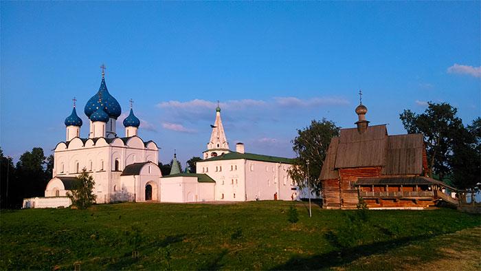Вал Суздальского Кремля