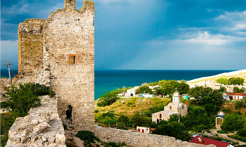 Генуэзская крепость Кафа – средневековые укрепления XIV века в городе Феодосия