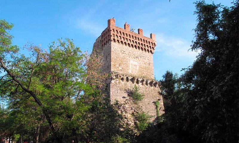Башня Святого Константина в городском парке