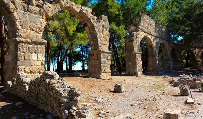 Старинный город Фазелис