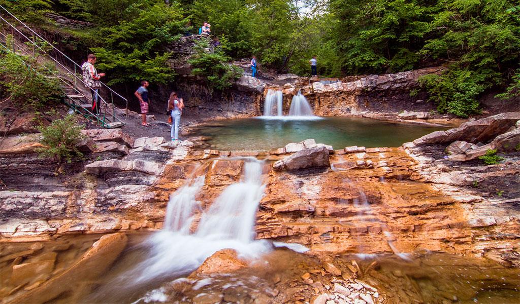 Дольмены и водопады на реке Жане