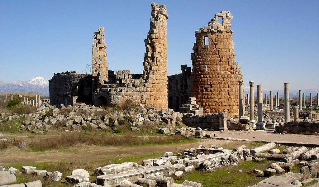 Древний город Перге