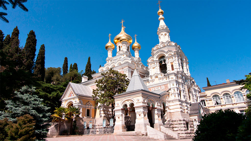 Храм Александра Невского в Алупке