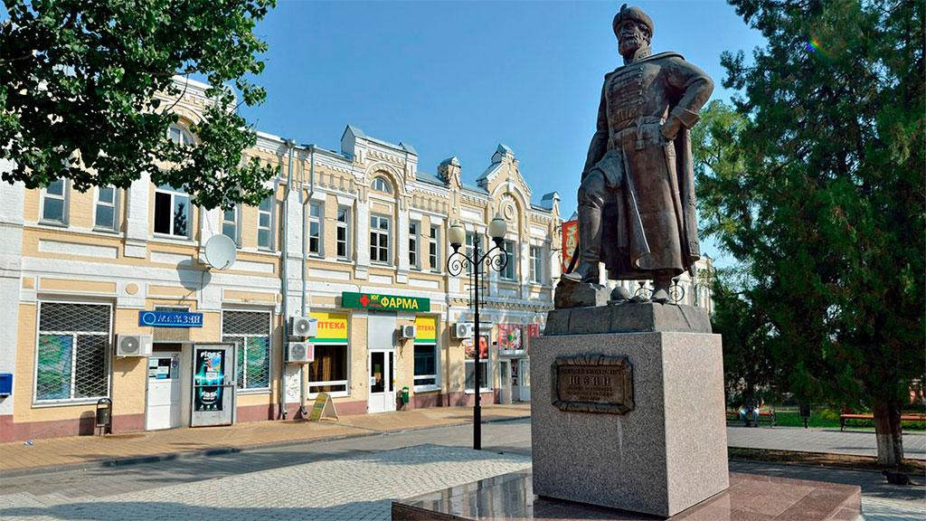 Памятник Шеину