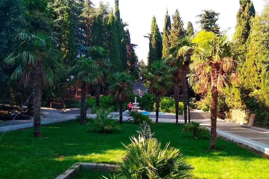 Парк у санатория «Крым»