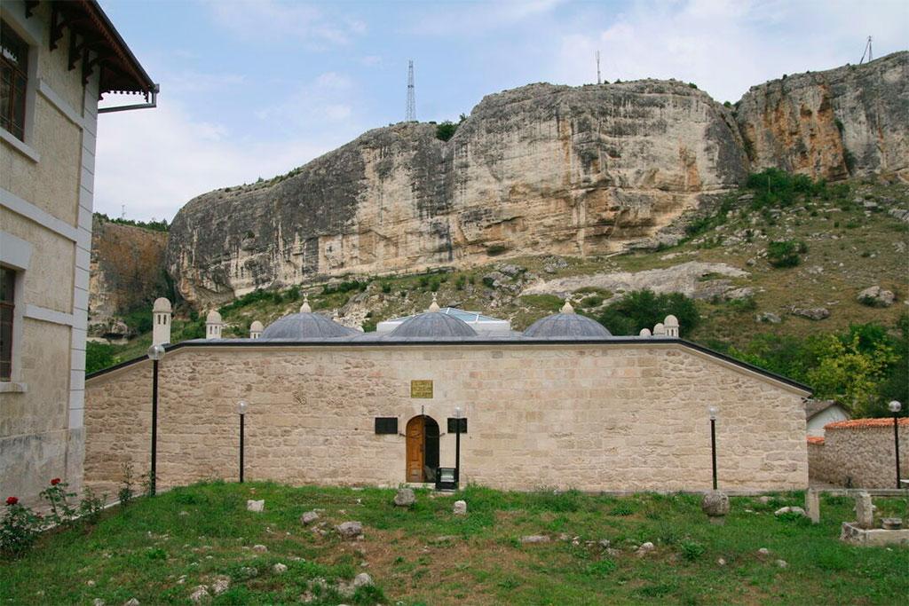 Школа Зынджирлы-медресе