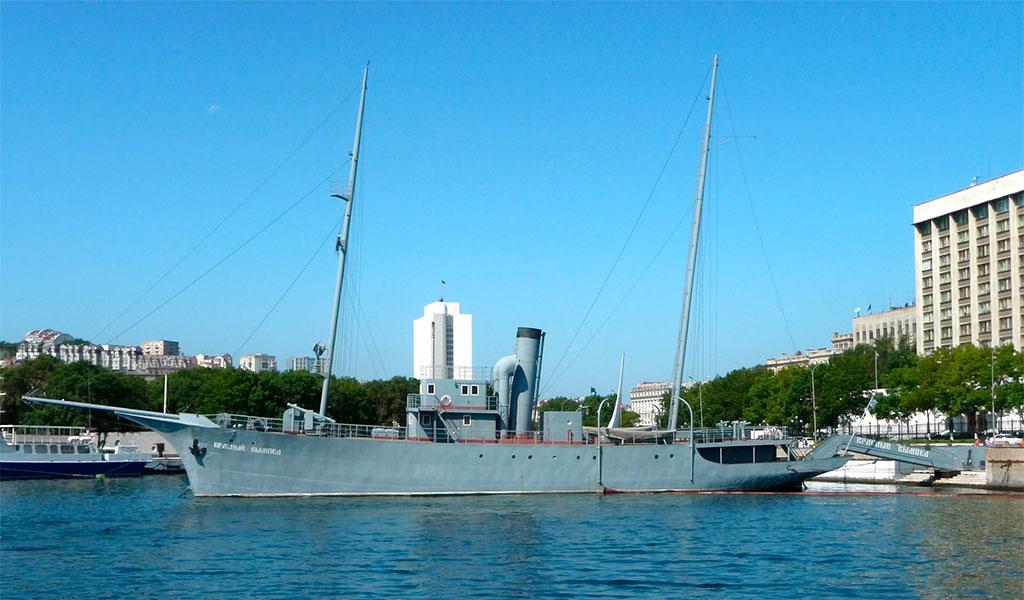 Мемориальный корабль-памятник «Красный вымпел»