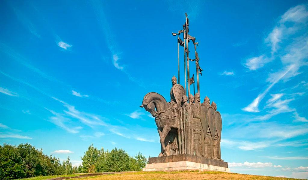 Монумент «Ледовое побоище»