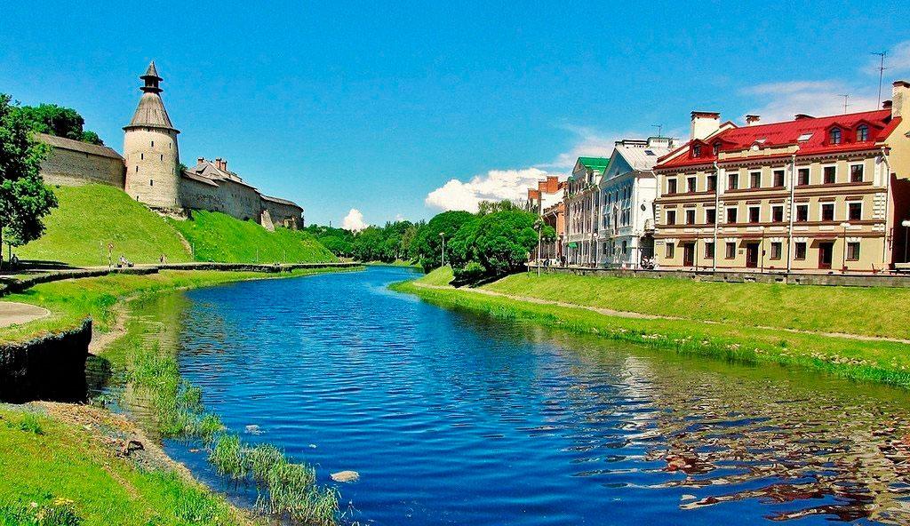 Набережные рек Псковы и Великой