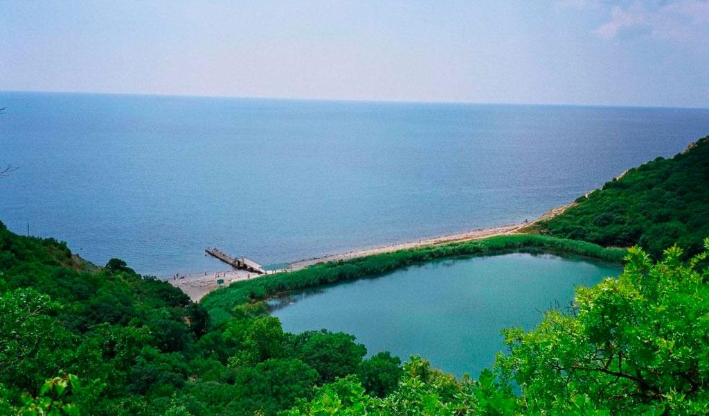 Озеро Малый Лиман и пляж Abrau Beach