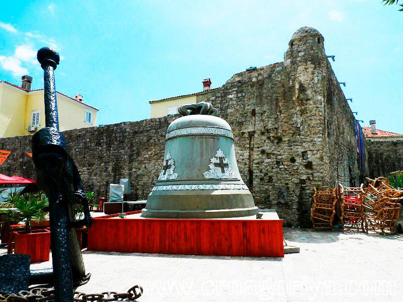 Античный некрополь у Старого города