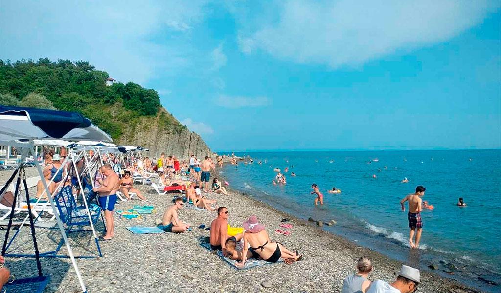 Пляж базы отдыха «Лукоморье»