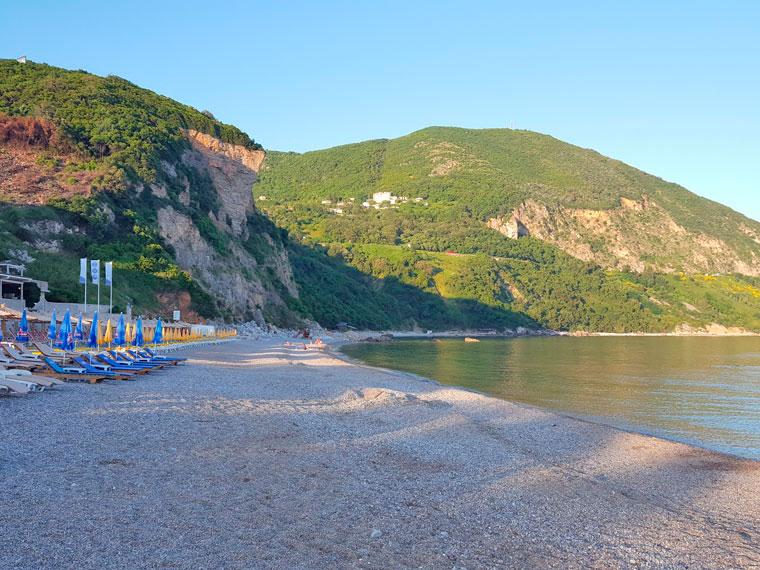 Смотровая площадка над пляжем Дукли
